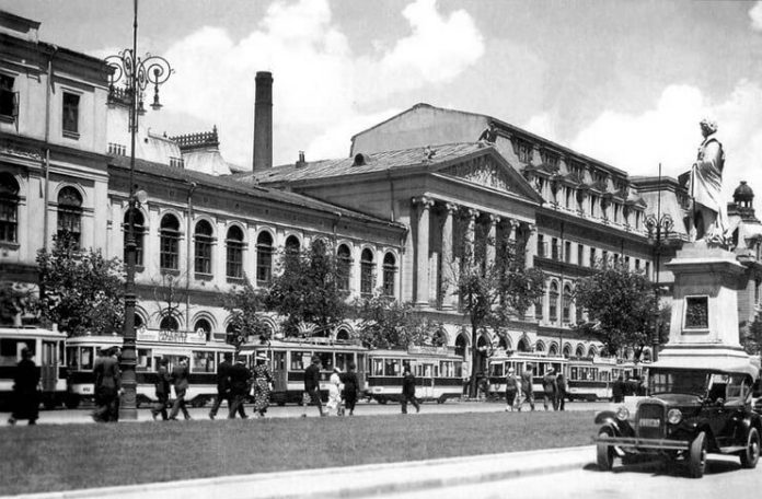 Clădirea Universității din București în perioada interbelică