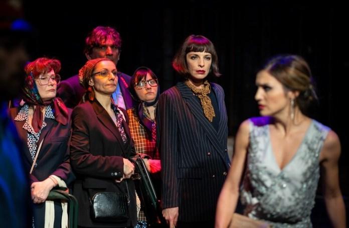 """Imagine din spectacolul """"Steaua fără nume"""", Teatrul Tineretului din Piatra Neamț"""