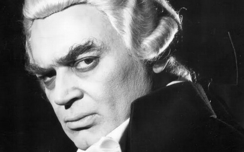 Mircea Albulescu în rolul lui Danton din piesa lui Camil Petrescu, Teatrul Național din București, 1974