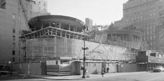 Muzeul Guggenheim din New York, în construcție, 1957