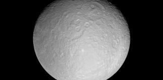 rhea satelit saturn