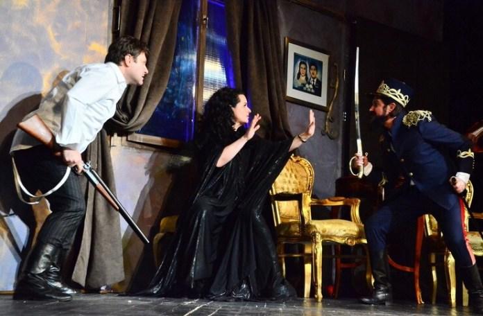"""""""O noapte furtunoasă"""", Teatrul Excelsior din București"""