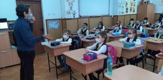 """Lică Barbu la Şcoala Gimnazială ,,Fănuş Neagu"""" din Brăila"""