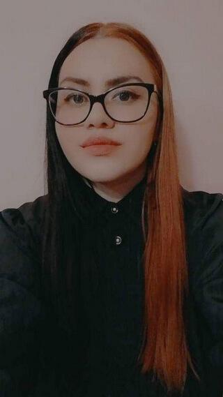 Cristina Anamaria Paraschiv, 21 ani, Facultatea de Litere Braşov