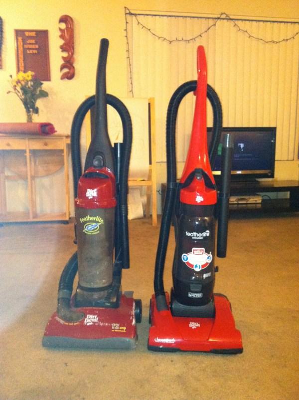 Dirt Devil Featherlite Bagless Vacuum