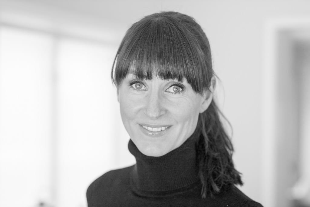 Ulrika Levin. Trädgårdsdesigner som arbetar med hus- och trädgårdsdesign.
