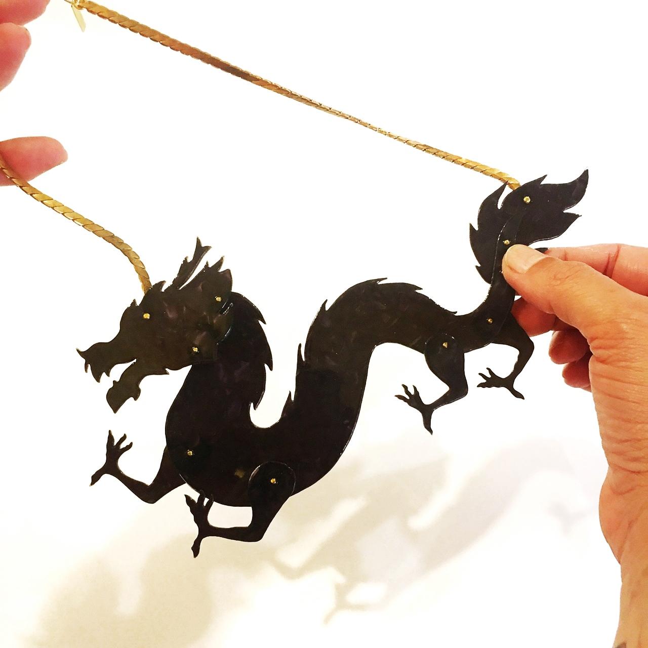 Colgante dragón - Le Voilà