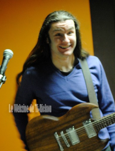 Mickaël, guitare de MESSALINE