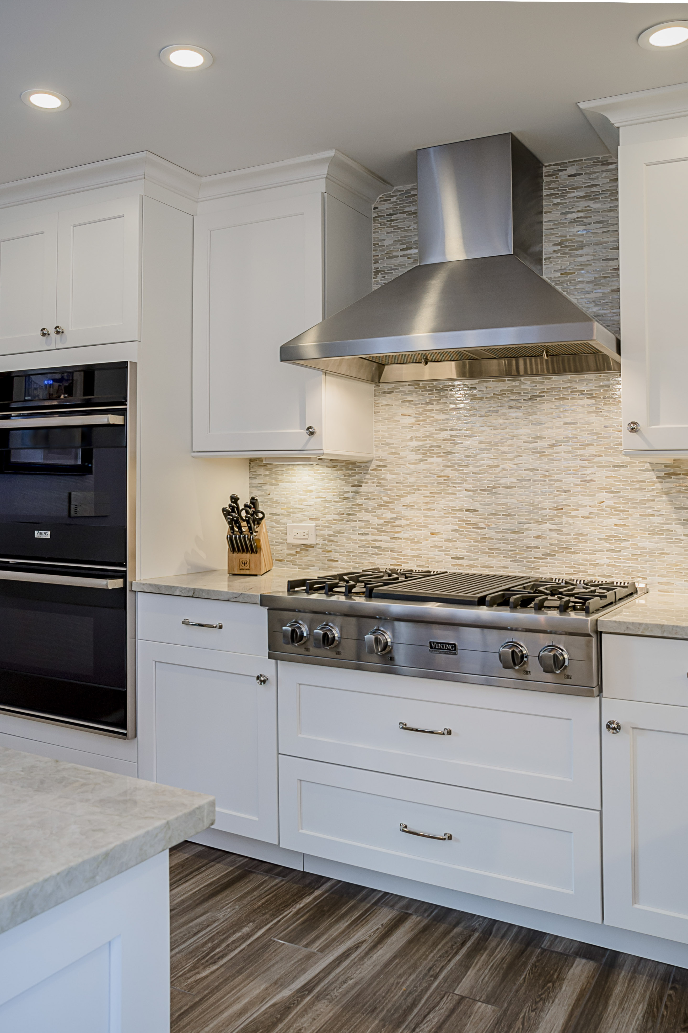 White Kitchen  Gain inspiration and view Lewis Floor  Homes Kitchen Gallery