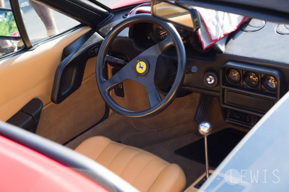 Ferrari 328 interror