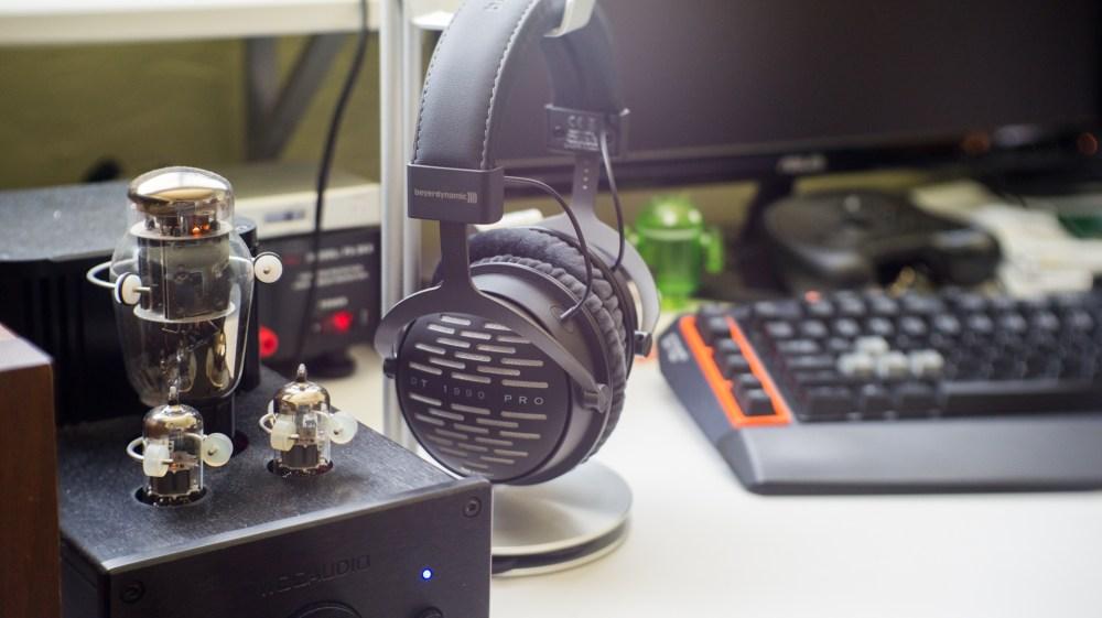 Beyerdynamic DT 1990 Pro Headphones - 35mm f1.7