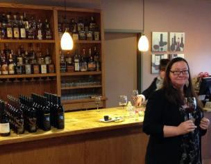 wine-event-devon-ward-from-carol-shelton-winery-13198661_517331618450960_26330269017572882_o