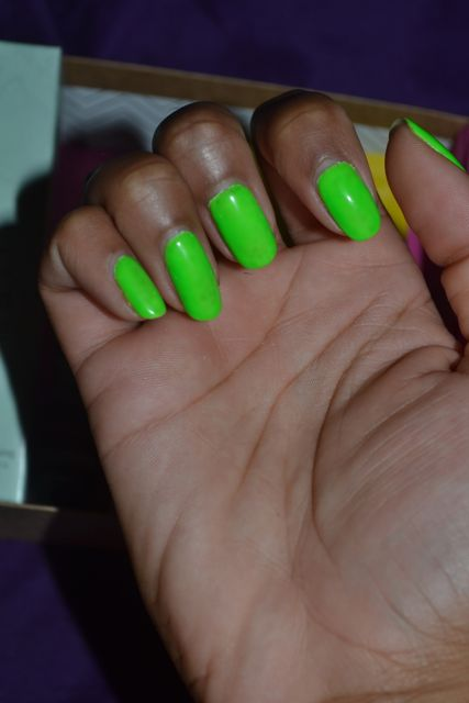 Monday Mani Muse- Neon Green As Seen On Evelyn Lozada - LexiWithTheCurls