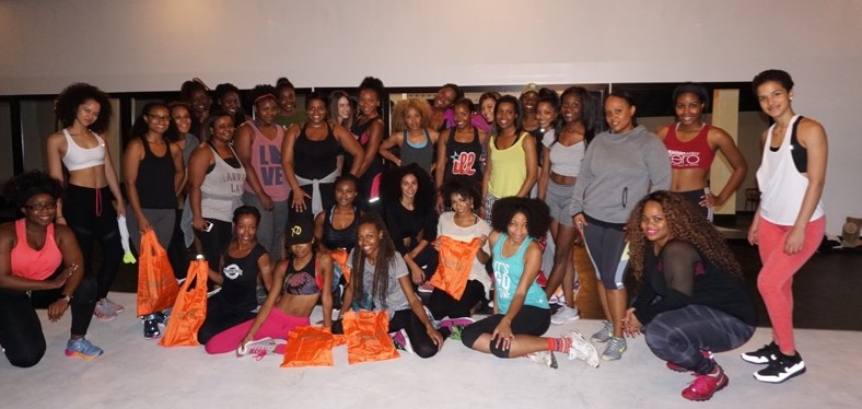 #FitnessFriday #CurlyAndFit Dance Classes With @CantuBeauty & @HalfieTruths