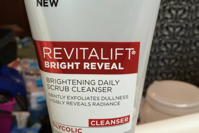 Skincare Review: @LOrealParisUSA Revitalift Bright Reveal Cleanser & Moisturizer
