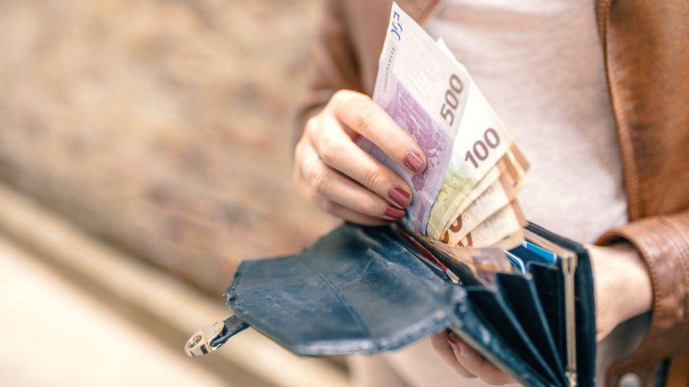 Para Në Portofol