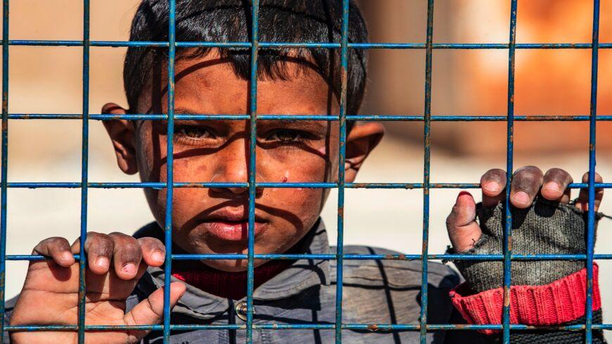 Shokuese : Kryqi I Kuq Zbulon Se Qindra Fëmijë Mbahen Në Burgjet Verilindore Të Sirisë
