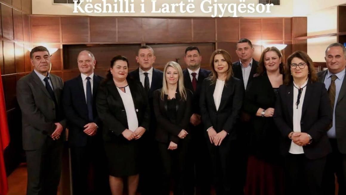 Lajm I Mirë : Komisioni I Lartë Gjygjsor Kritikon Ministrin E Brendshëm Bledi Çuçi (Deklarata)