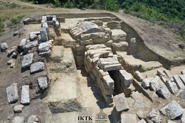 Lajm I Mirë : Gërmimet Arkeologjike Në Amantia Zbulojnë Strukturat Arkitektonike Të Varrit Monumental