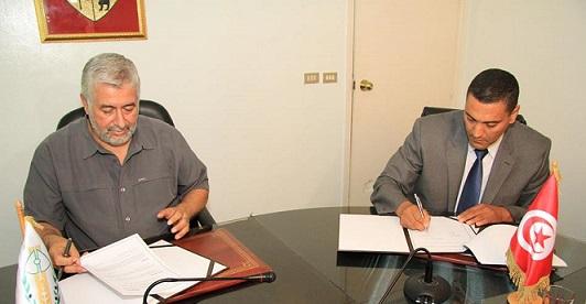 """اتفاقية مشتركة بين الاتحاد التونسي للفلاحة والصيد البحري والنادي الرياضي للحرس الوطني """"أول مسابقة عالمية للخيول ضمن سياماب 2015 بمشاركة حوالي 200 فارس من أنحاء العالم"""""""
