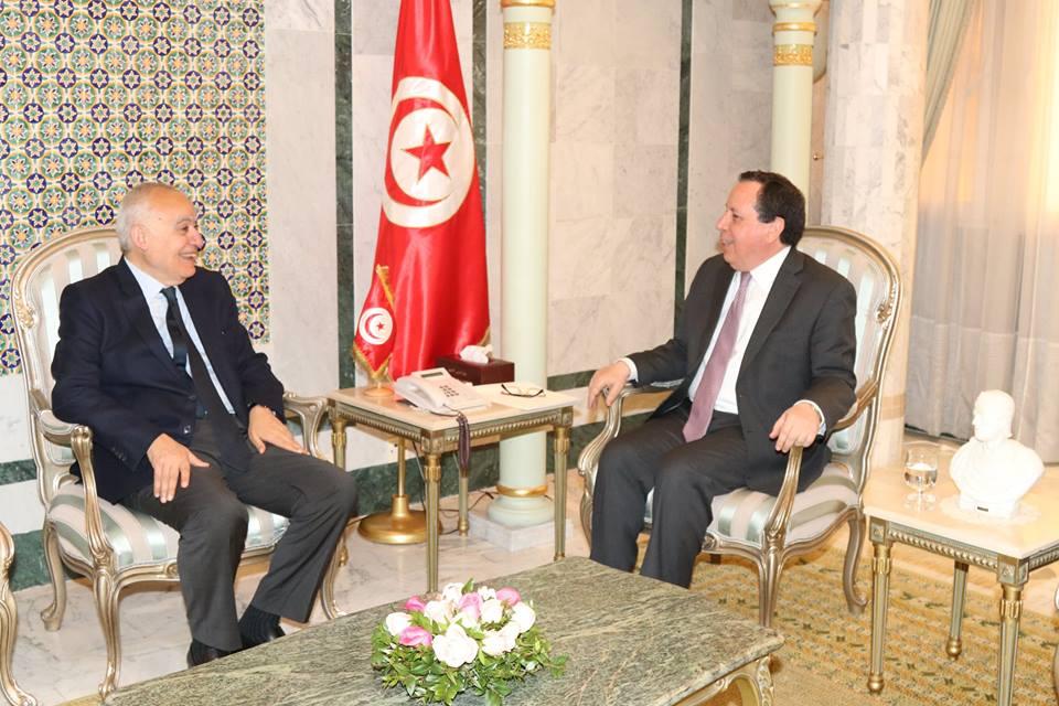 وزير الشؤون الخارجية يبحث مع رئيس بعثة الدعم الأممي في ليبيا مستجدات الأوضاع في ليبيا