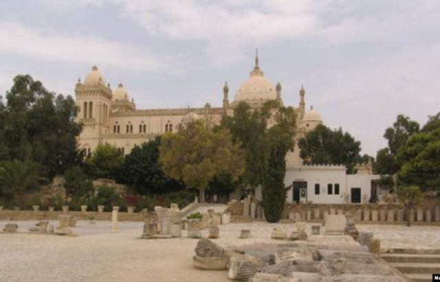 بمنطقة قرطاج: قرارات هدم لبناءات    غير  قانونية تم تشييدهاعلى مواقع أثرية