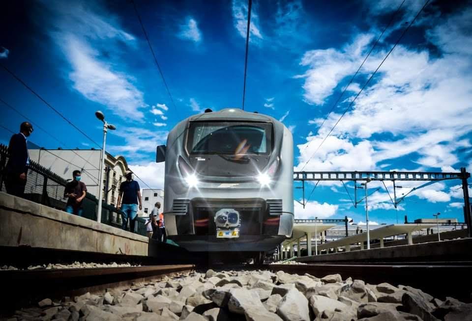 RFR :جائحة كورونا و الاحتجاجات وراء تأخر انطلاق القطار السريع