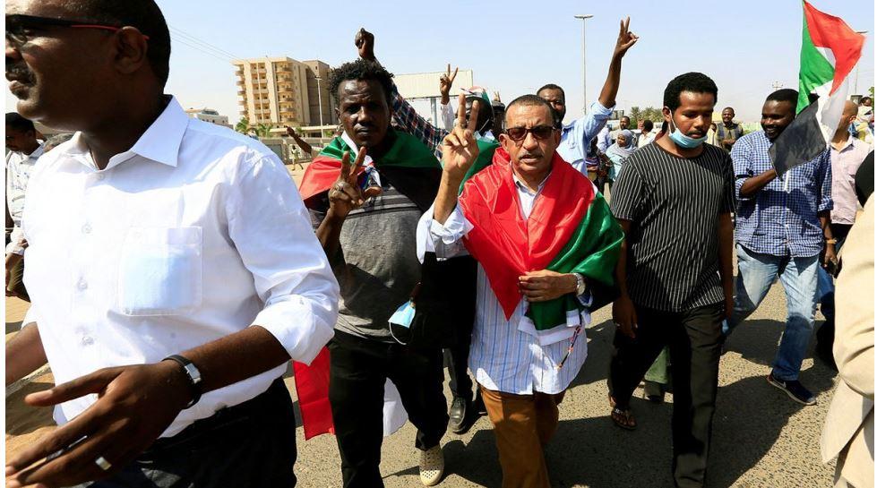 وزارة الإعلام السودانية: ما حدث في البلاد انقلاب عسكري متكامل الأركان