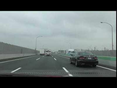 レクサス LS600h 高速にて 00196