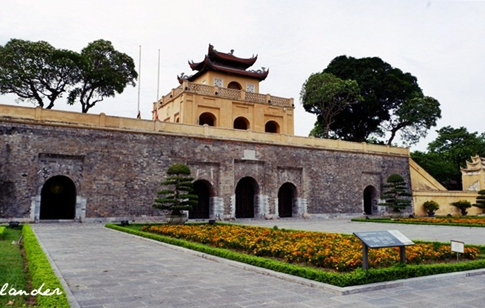 Visiting the Imperial Citadel of Thăng Long