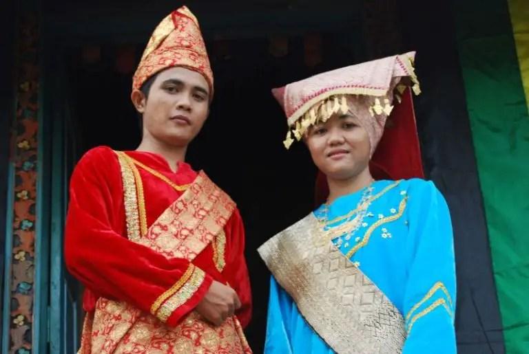 Nama Pakaian Adat Sumatera Barat