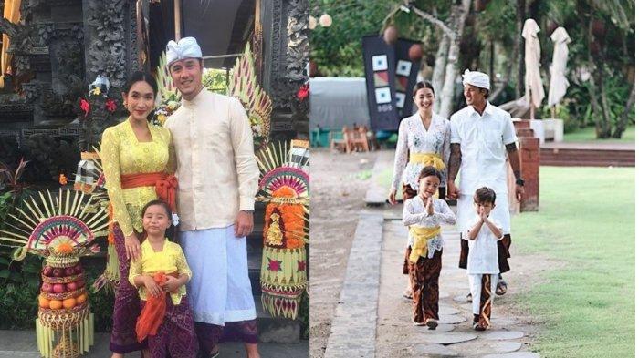 Pakaian Adat Tradisional Provinsi Bali