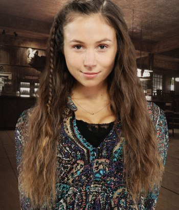 Waverly Earp - Wynonna's little sister, she knows everything and has been researching the Revenants forever.