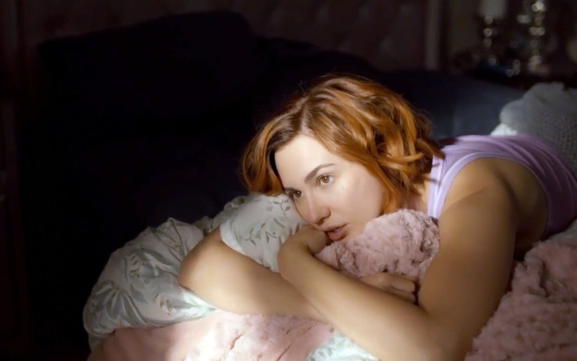 Wynonna Earp season three premiere - Nicole in Bed