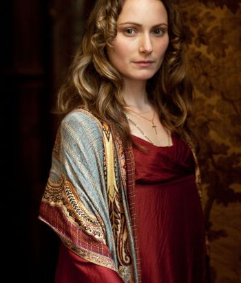 A picture of the character Mariana Belcombe - Years: 2010