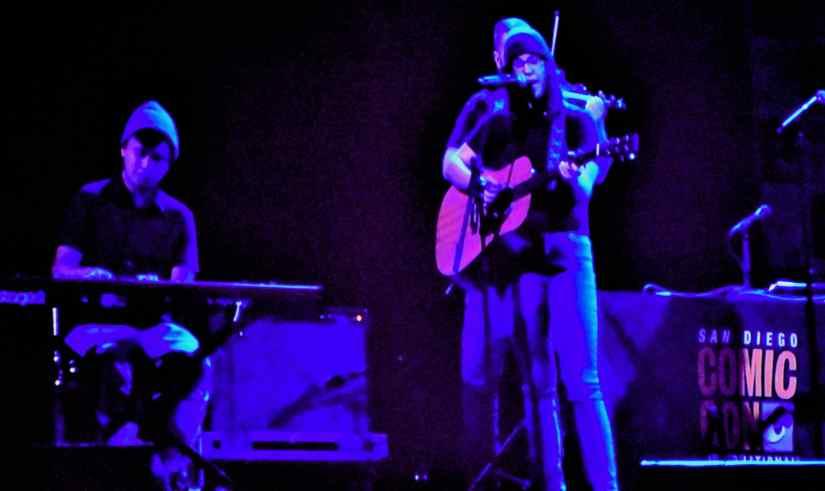 Live performance by Rebecca Sugar @ SDCC 2019 -- © LezWatch.TV