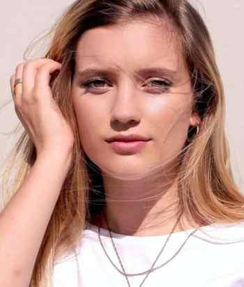 Mia Healey
