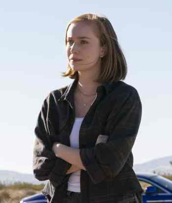 A picture of the character Ava - Years: 2021