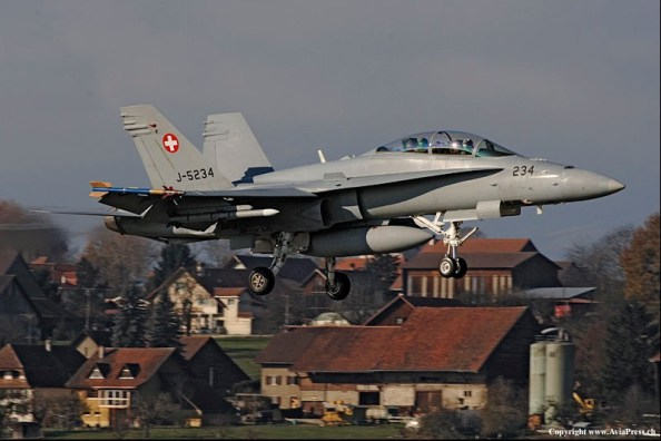F-A-18-suisse