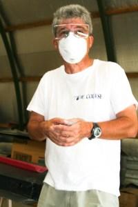Alain Capitain porte déjà un masque