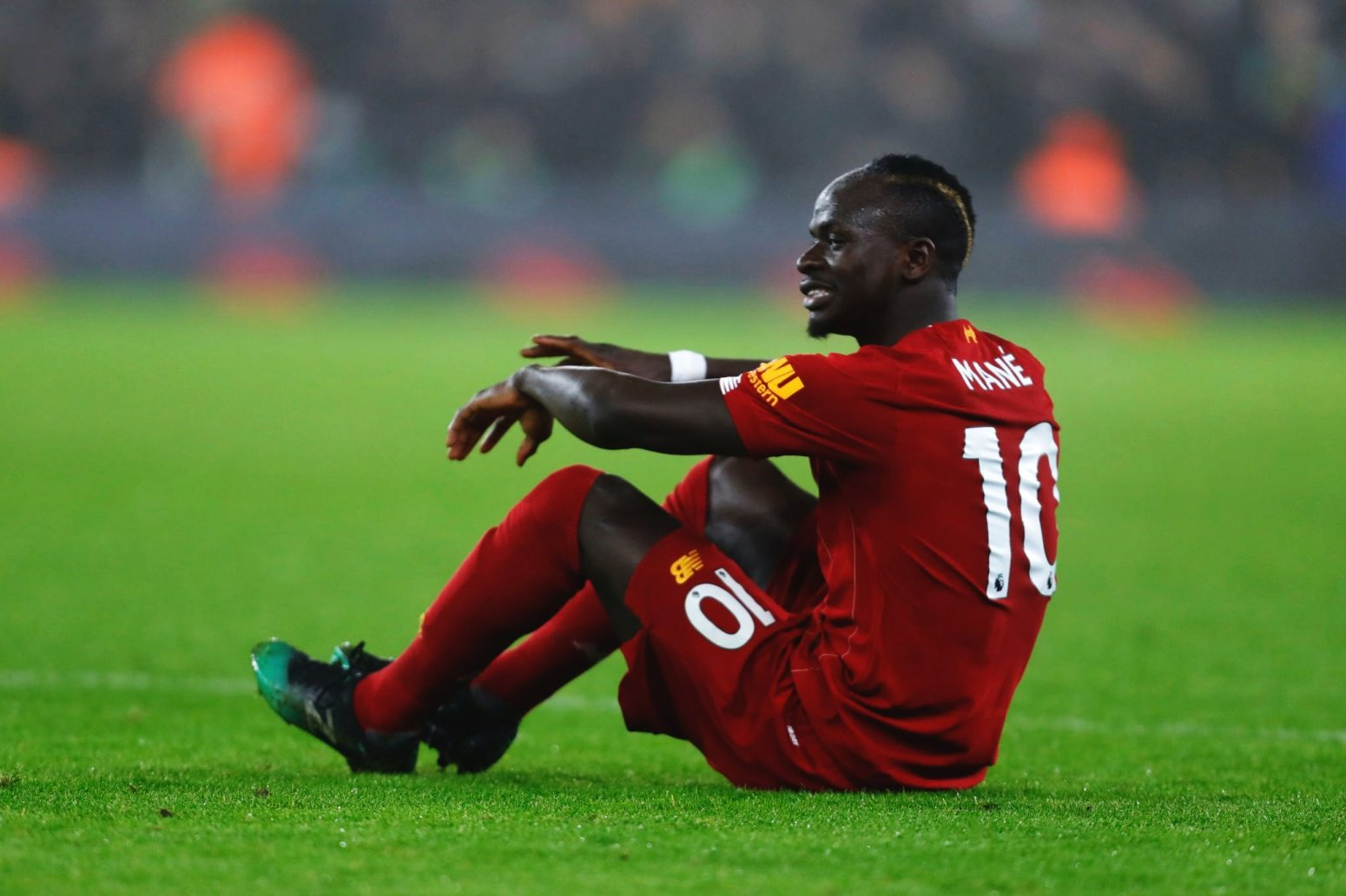 """Sadio Mane ruled out of West Ham & Saints clash due to """"small muscle tear"""""""