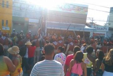 Em Lauro de Freitas o São João teve grande animação com desfiles de grupos culturais