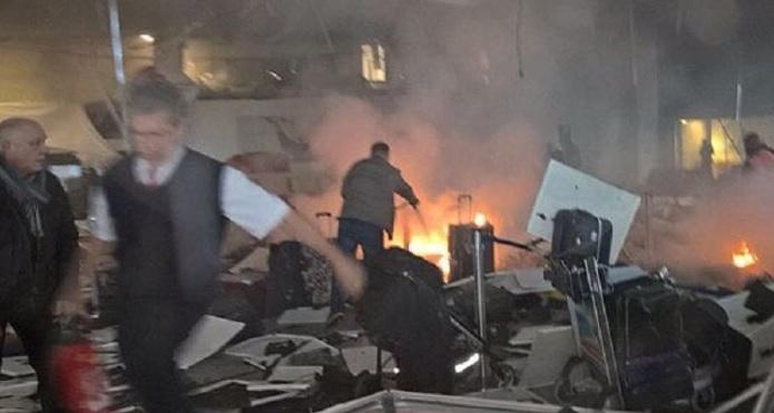 Duas explosões matam e deixam feridos no aeroporto de Instambul