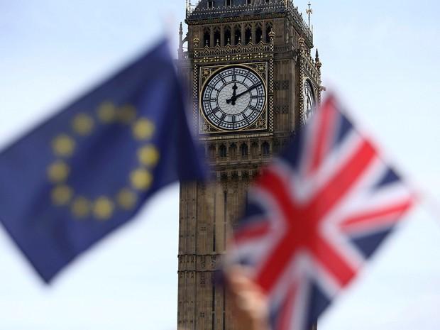Reino Unido decide sair da União Europeia e causa enorme crise internacional