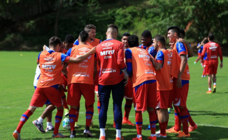 Bahia define lista que enfrenta o Bragantino neste sábado