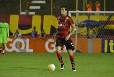 Victor Ramos continua no Vitória; clube publica nota repudiando vandalismo
