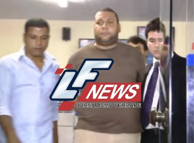 Taxista que agrediu cantora é levado para presídio