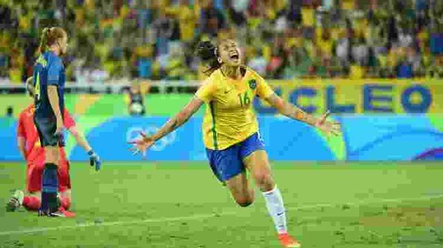 Brasil dá novo show e garante classificação, mas Cristiane sai machucada