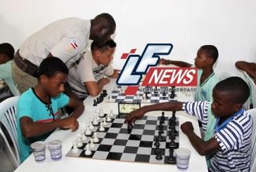 Alunos de xadrez de Itinga visitam Museu Geológico