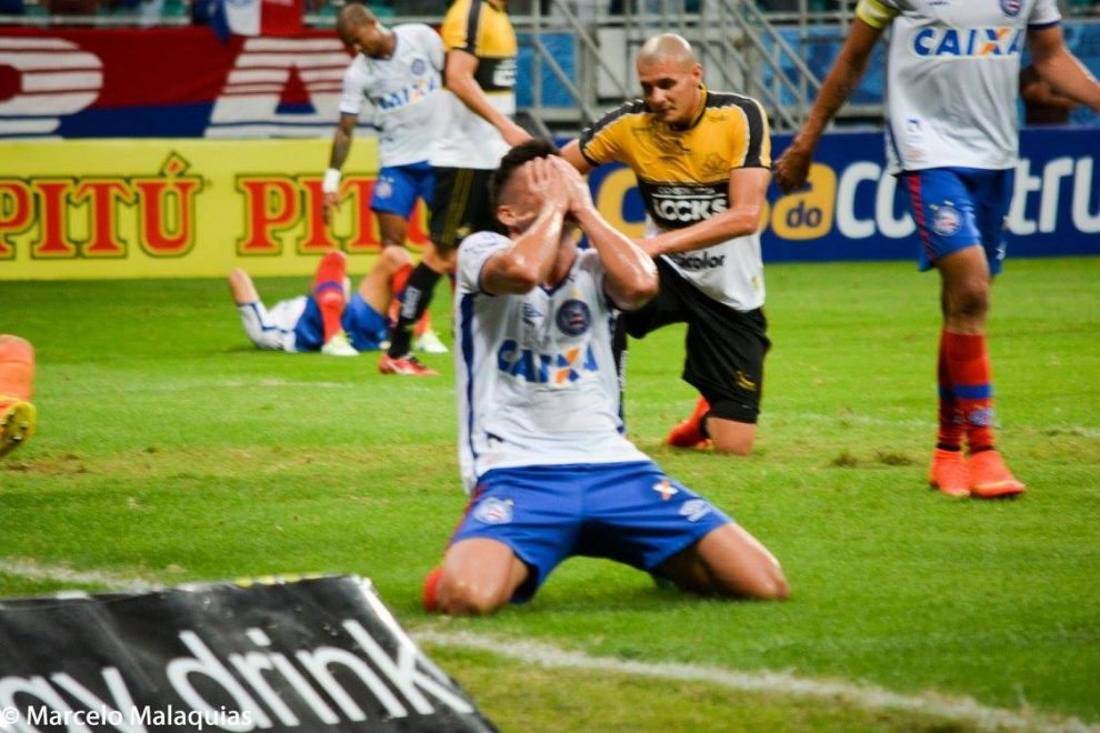 Bahia da Fonte x Bahia de fora: Mesmo time com atitudes diferentes